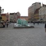 Fontanna_(Zdroj)_w_Rynku_we_Wroclawiu